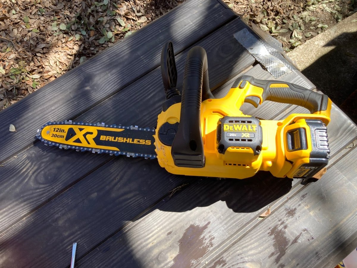 Dewalt Chainsaw.jpg