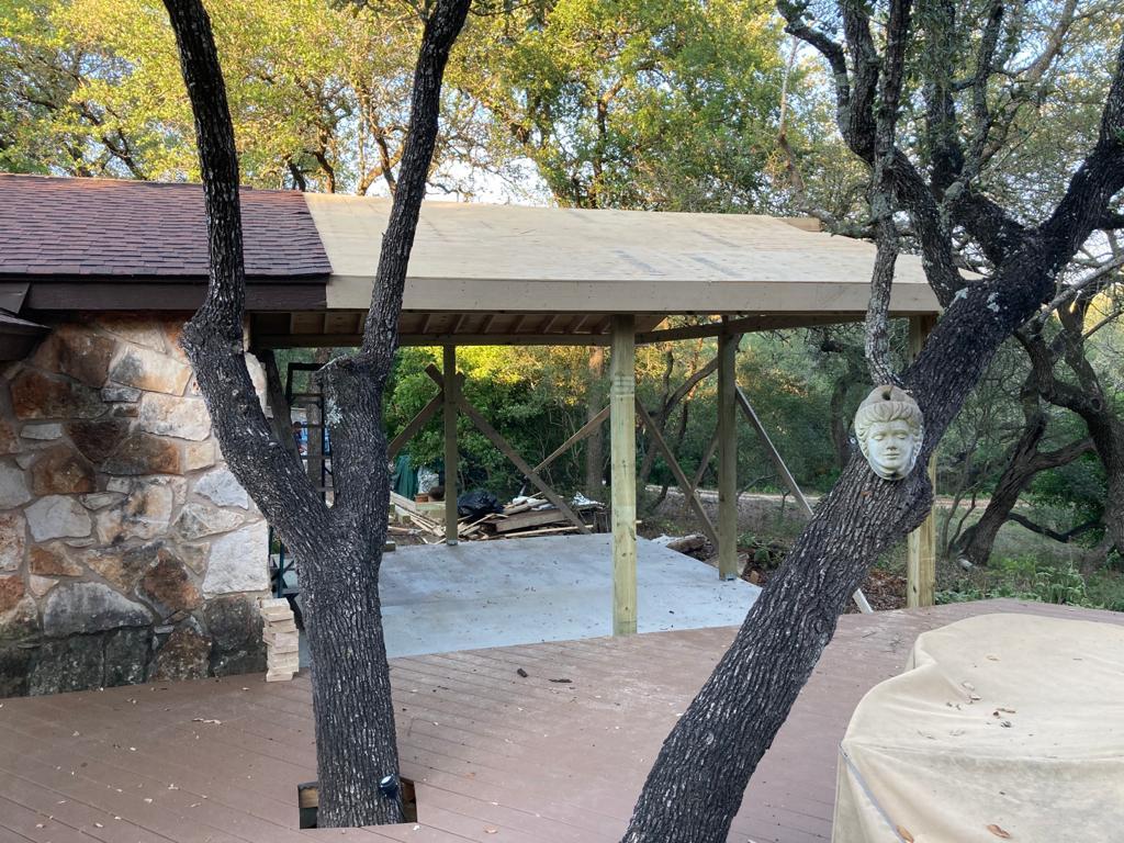 Outdoor Kitchen roof1.jpeg